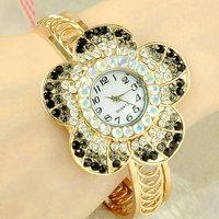 Fashion Watch Women girls Ladies Golden bangle rhinestone diamond watches Quartz Watch Wristwatches Relogio Feminino CX05