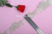 New Design Hot Selling Luxury 5.0cm Width Flower Design Wedding Dress Sash Rhinestones Trim Applique Cake Trim With Glass Stone