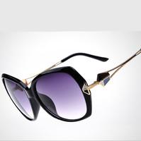 2015 New Retro Metal Glasses Decoration UVA, UVB UV400 Ultraviolet Prevention Wayfarer Woman Sunglasses Shades Oculos De Sol
