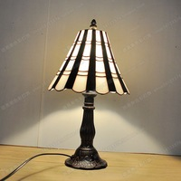8 inches of simple black and white small desk lamp bedside lamp Tiffany classical IKEA bedroom desk study lighting glass