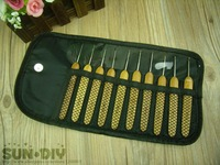Free Shipping Bamboo Handle steel crochet hooks & pretty crochet bag/box 10pcs 0.5-2.75mm crafts crochet for DIY knitting