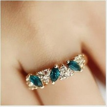 Minimum order of $ 10wholesale fashion Vintage emerald Crystal ring for Women Jewelry ARD01