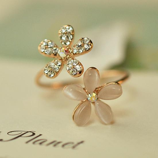 Opal Double Daisy Flower Adjus