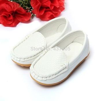 Розничная размер 21-25 детская обувь дети искусственная кожа кроссовки для мальчиков и девочек лодка обуви скользить по мягкой подошвой свободного покроя квартиры