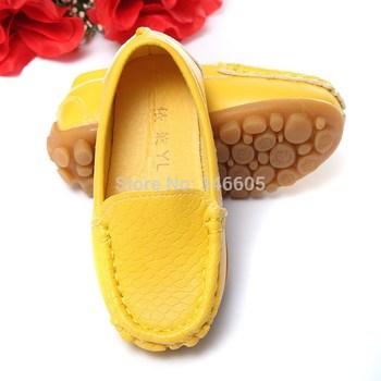 Рекламные симпатичные евро размер 21-25 дети дети искусственная кожа кроссовки для мальчиков и девочек лодка обуви скользить по мягкой подошвой свободного покроя квартиры