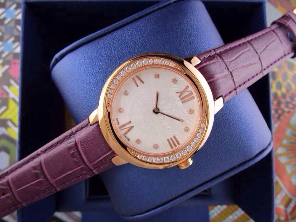 Mulheres vestido relógios de quartzo moda strass ouro malha mulher relógio banda bracelete de diamantes relógio 2015 novo relógio(China (Mainland))