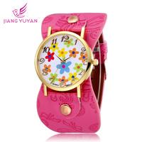 2015 New Leather Strap Quartz watch Women Dress Watch Flower Design Fashion Casual Wristwatch