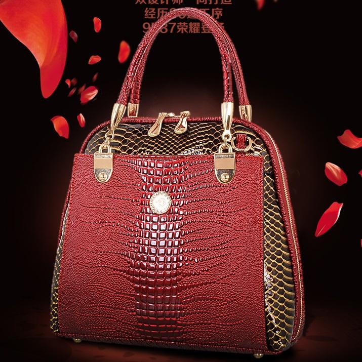 http://i01.i.aliimg.com/wsphoto/v0/32263398387_1/2015-bolso-genuino-del-cuero-de-cocodrilo-Crossbody-Bolsas-marca-Tote-moda-mujeres-Messenger-Bags-bolso.jpg