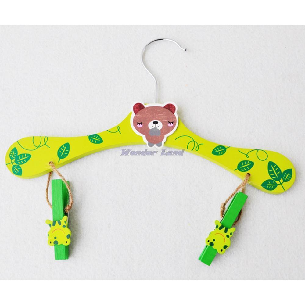 Wonder Land-Random Color Home Nursery Kids Cartoon Wooden Coat Clothes Pants Clip Anti Slip Hook Hanger 1PCS(China (Mainland))