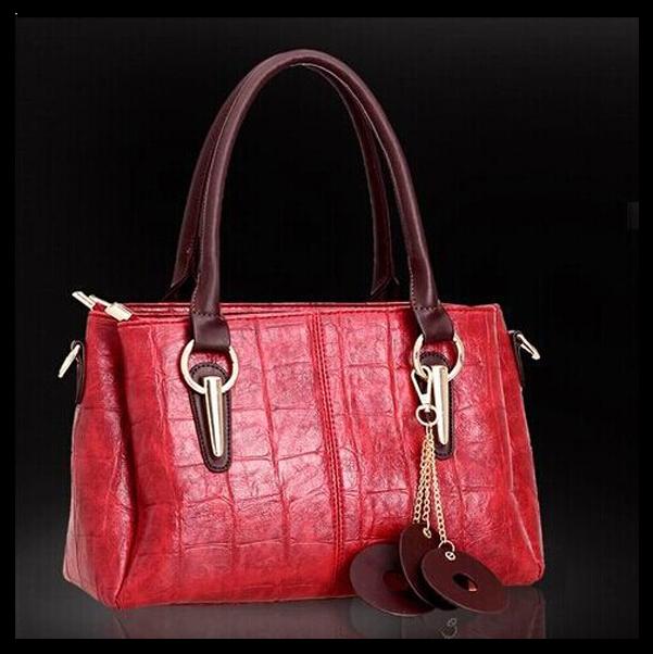 http://i01.i.aliimg.com/wsphoto/v0/32264082749_1/New-2015-fashion-women-bag-font-b-Luxury-b-font-Messenger-Bags-Top-Quality-font-b.jpg