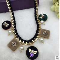 Free Shipping 2015 New Brand Exaggeration Womens Necklace Offbeat Jewelry Honeybee Pendant Clavicle Necklaces For Girl FN0402