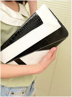 HB008,Free shipping European and American fashion evening party Gorgeous black and white crocodile wave PU handbag