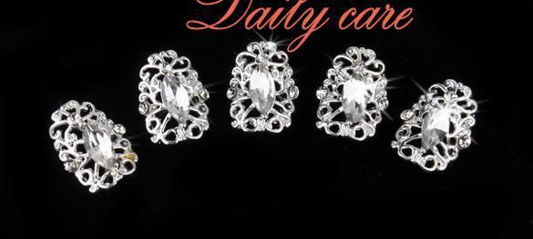 5pcs/pack 3D Hollow Crystal Silver Plate decoration nails art Full Nail Art Rhinestone Stickers(China (Mainland))