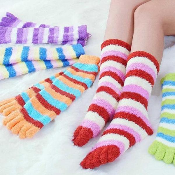 Гаджет  2PCS Hot Sale Cute Women Girls Warm Soft Candy Color Stripes Five Finger Toe Socks Women Cotton Socks Free Size Free Shipping None Одежда и аксессуары