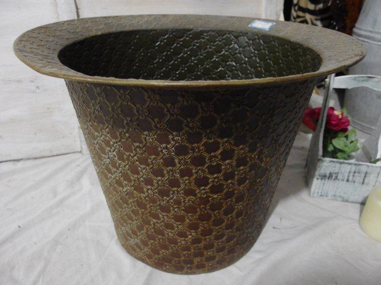 NEW American farmer utensils vintage antique wrought iron flower pots trash barrel(China (Mainland))