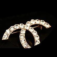 Promoción 18 K oro verdadero rose plateó calidad superior cristal CC broche pin mujeres Top moda marca cristal lleno CC pin broche bufanda(China (Mainland))