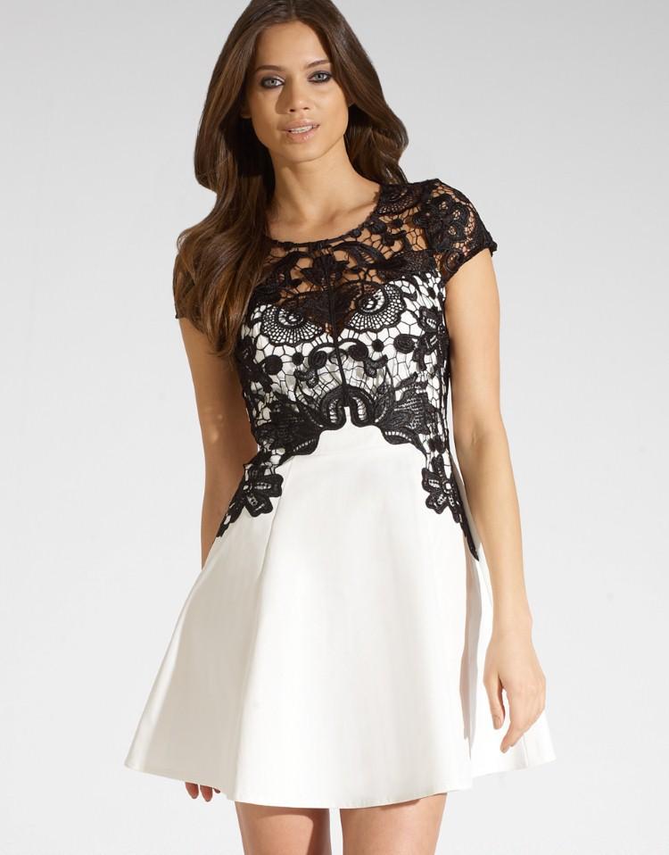 Коктейльные черные платья с кружевом