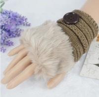 Winter Korean female short paragraph mitts cute striped button- button wool fingerless wool gloves half finger mouth