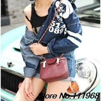 2015 European and American fashion new handbags wholesale mini snakeskin pattern chain shoulder bag