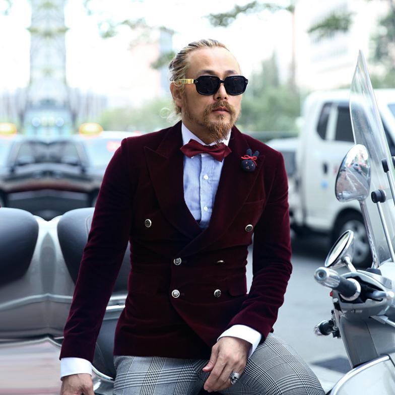 Winter new Korean men Slim double-breasted suit jacket tide male hairdresser solid velvet suit(China (Mainland))