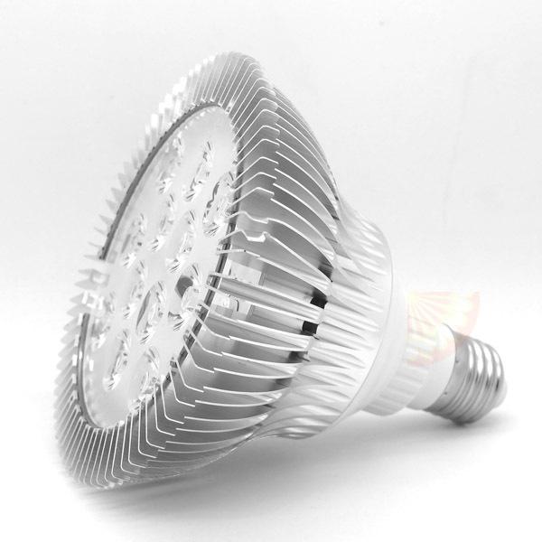 2015 full spectrum cresce a luz led chip de potência real 36 W faixa 430-660nm New tech para plantas de interior em crescimento e floração de varejo(China (Mainland))