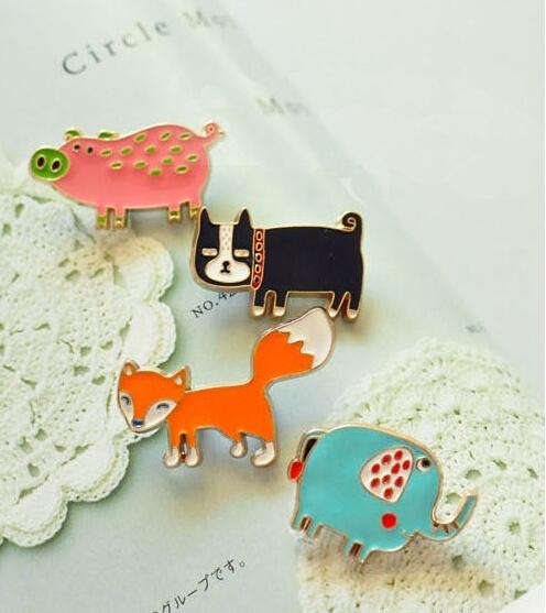10pcs/lot metal retro brooch vintage insignia cute badge 4 designs free shipping(China (Mainland))