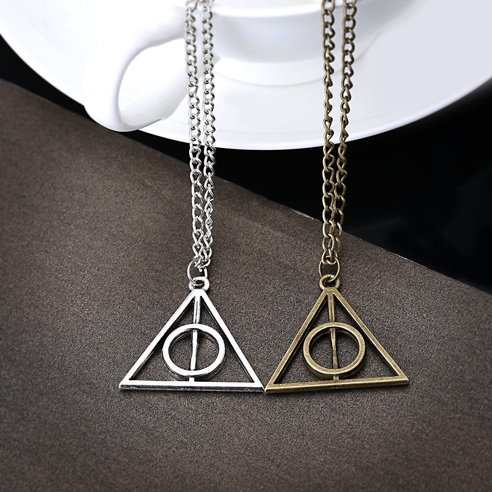 Harry Potter And Deathly Hallows Necklace Resurrection Triangle Pendant Necklace Luna Lovegood Pendant Necklace(China (Mainland))