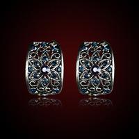 QMODE 2015 Palace Design Vintage Silver Plated Flower Crystal Earring Fashion Hollow Blue Rhinestones Stud Ear High Quality