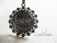 Free shipping Rock Band lamb of god logo pattern zinc alloy glass pendant personality necklace for rock fans