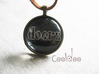 Free shipping Rock band  The doors logo pattern zinc alloy glass pendant necklace for women men girls boys