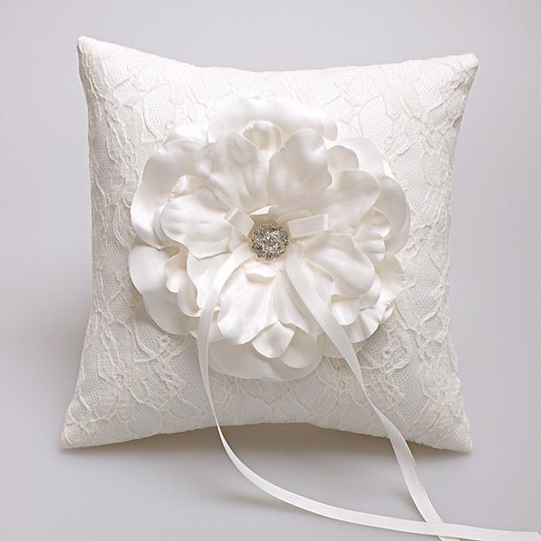 Mode de luxe dentelle favors anneau oreiller coussin de mariage anneau ...