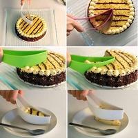 2pcs/lot New Cake Pie Slicer Sheet Guide Cutter Server Bread Slice Knife Kitchen Gadget - WFA0045