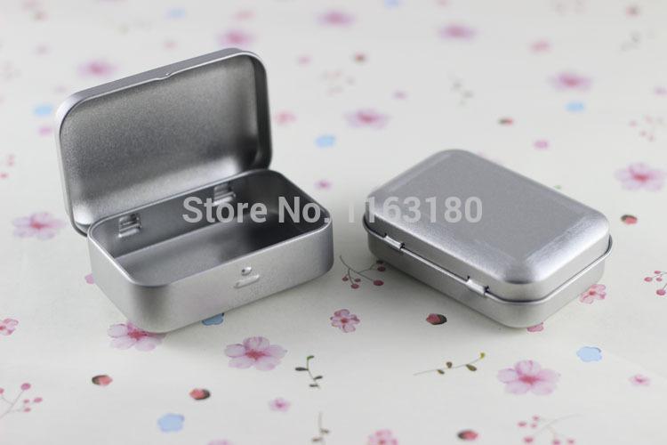 12 pcs/lot SURVIVAL KIT TIN HINGED LID Silver Small Empty Plain Metal Storage Bit Box Mini()