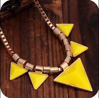 OMH wholesale Green,Yellow,Black 6 Colors Europe and America Fashion Exquisite Triangle Pendant Alloy Chain Women Necklace XL145