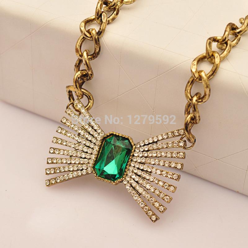 Vintage Bowknot Green Created Gemstone Rhinestone Pendant Necklace Retro Clavicle Necklaces wwn0433(China (Mainland))