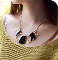 OMH wholesale Europe and America Fashion Alloy Geometry Hollow out Pendant Women Chokers Necklace XL142