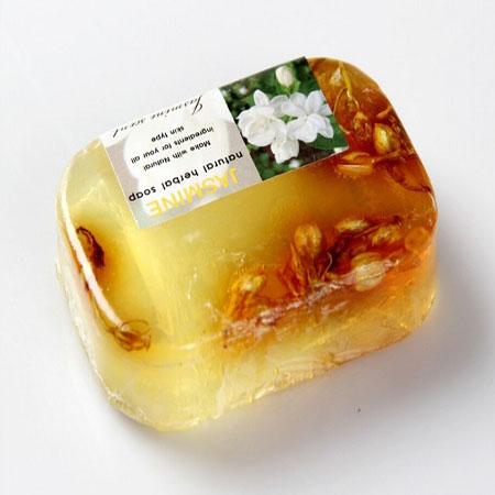 الصابون الطبيعي والصابون المصنوعة يدويا التي تحتوي على فيتامين e و يمكن أن تجعلك أكثر جمالا وصحية.(China (Mainland))