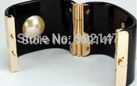 Wholesale Fashion Brand Large Pearl Gold Letter Logo Women Bracelets & Bangles Female High Quality Bangle Jewelry Free Shipping