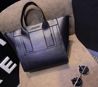 In the spring of 2015 the new classic handbag The European and American fashion bag handbag
