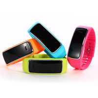 Bluetooth bracelet Smart Watch WristWatch D3 Watch for Samsung Galaxy S3 S4 S5/Note 2/Note 3 HTC LG Motorola Android Phone