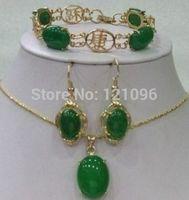 Beatiful green jade bracelet earring necklace pendant
