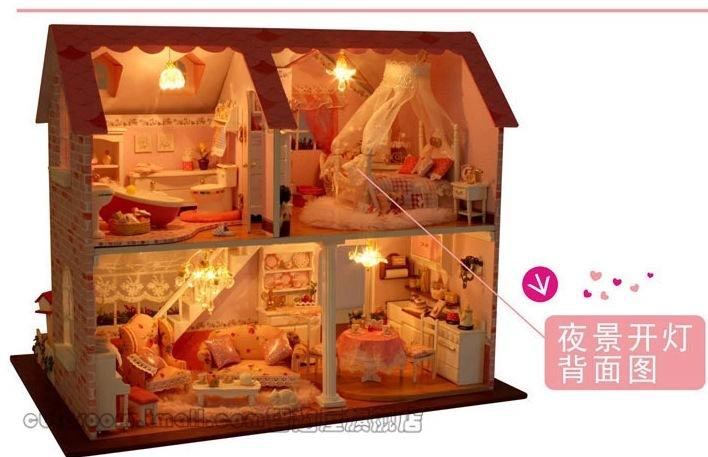 Doll maison avec des meubles en bois faits la main for Africa express presents maison des jeunes