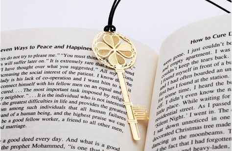Wholesale 2015 new design metal golden key book marks creative flower bookmark with string free shipping(China (Mainland))