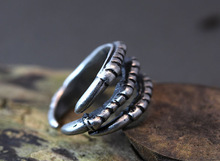 Free Shipping Wholsale Retro Burnished Eagle Toe Ring Animal Jewelry Woodland Unique Ring Halloween Item Fashion