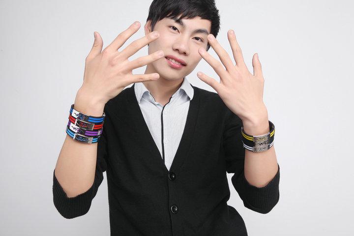 Korean version of the fire dragon personality titanium steel flame silicone bracelets tide male fashion men
