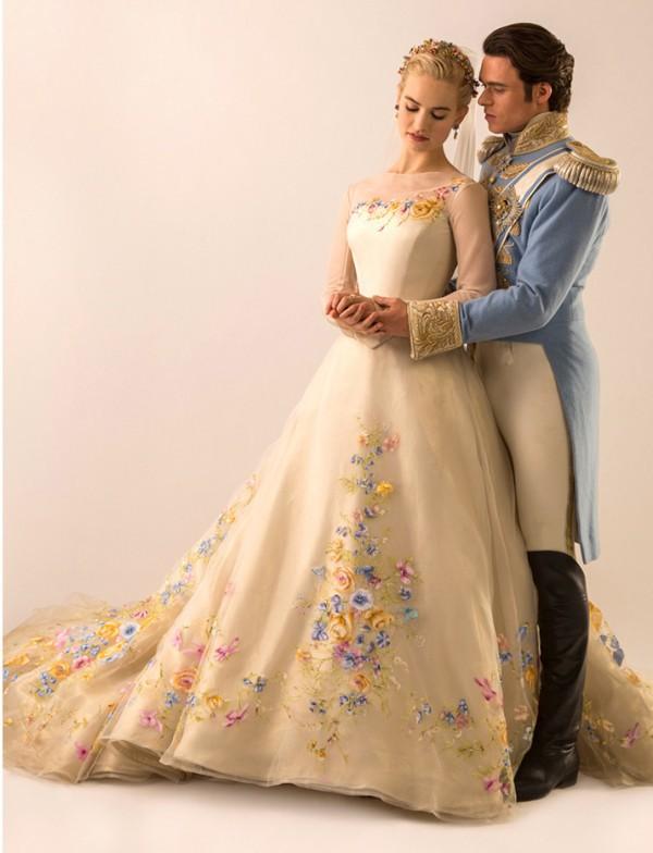 Hot sale! The movie Cinderella original style A-line cinderella carriage wedding dresses 2015(China (Mainland))