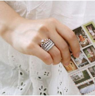 2015 New Design Women Imperial Crown+Circle Rings Women Fashion Jewelry(China (Mainland))