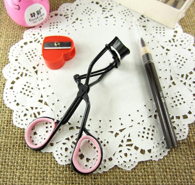 Woman Makeup Tool Set Eyelash Curler +Sharpener +Pencil Makeup Tool Three Sets(China (Mainland))