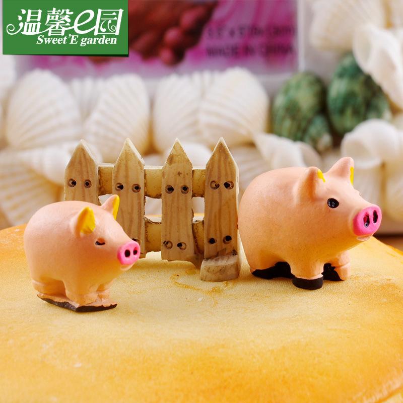 Miniature dolls DIY decoration toy micro landscape pig dolls building model happy birthday decoration toy(China (Mainland))