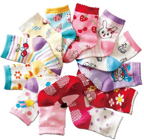 Бесплатная доставка ( 12 пар/лот ) 100% хлопок детские носки резиновые скольжению пола носки мультфильма маленького малыша носки 1-3 ребенка bs-19